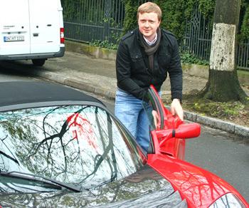 Peter Schwierz mit Tesla Roadster