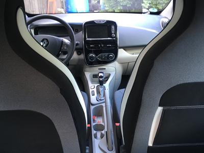 Renault-Zoe4