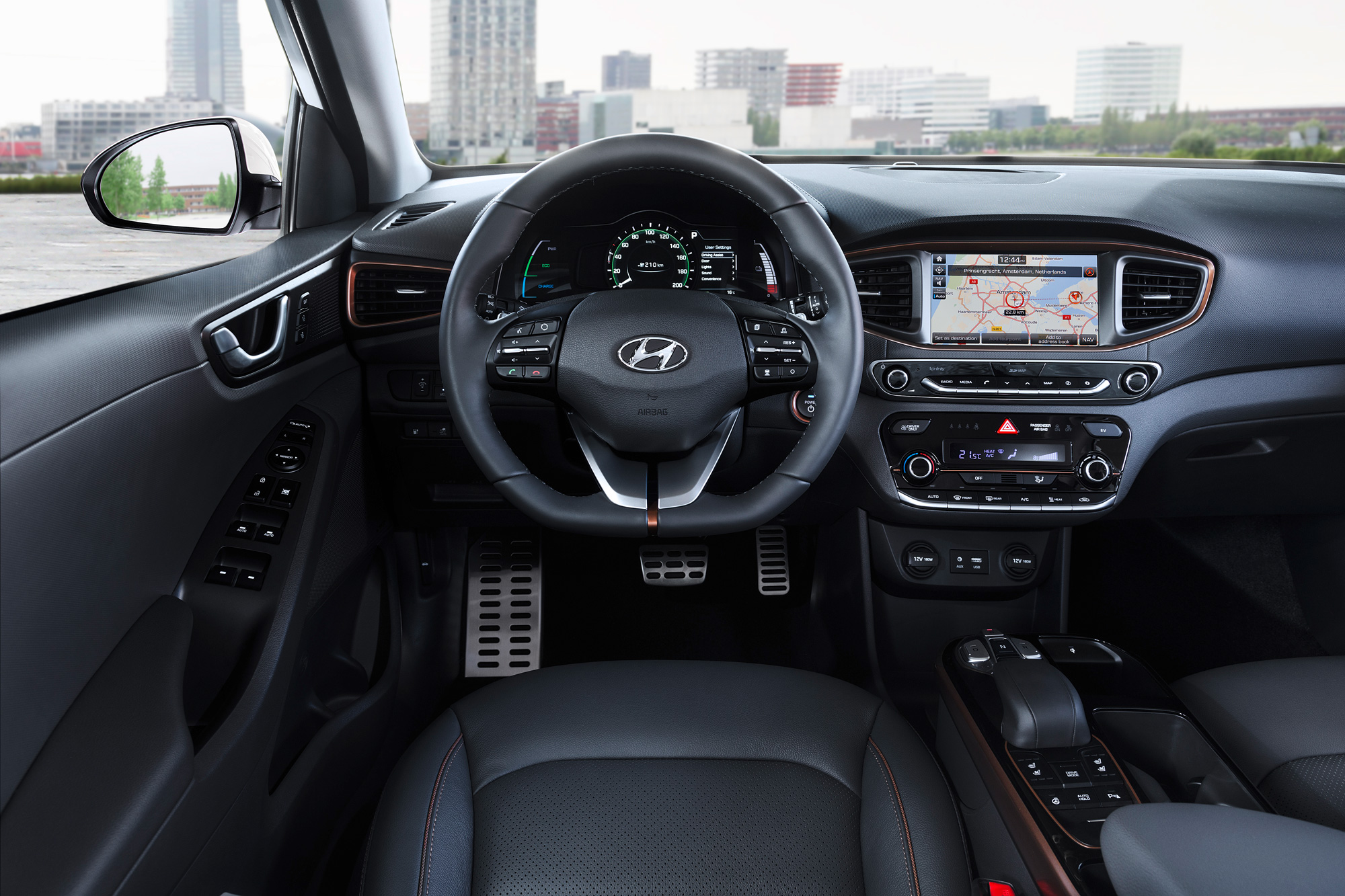 Hyundai-Electric-Cockpit