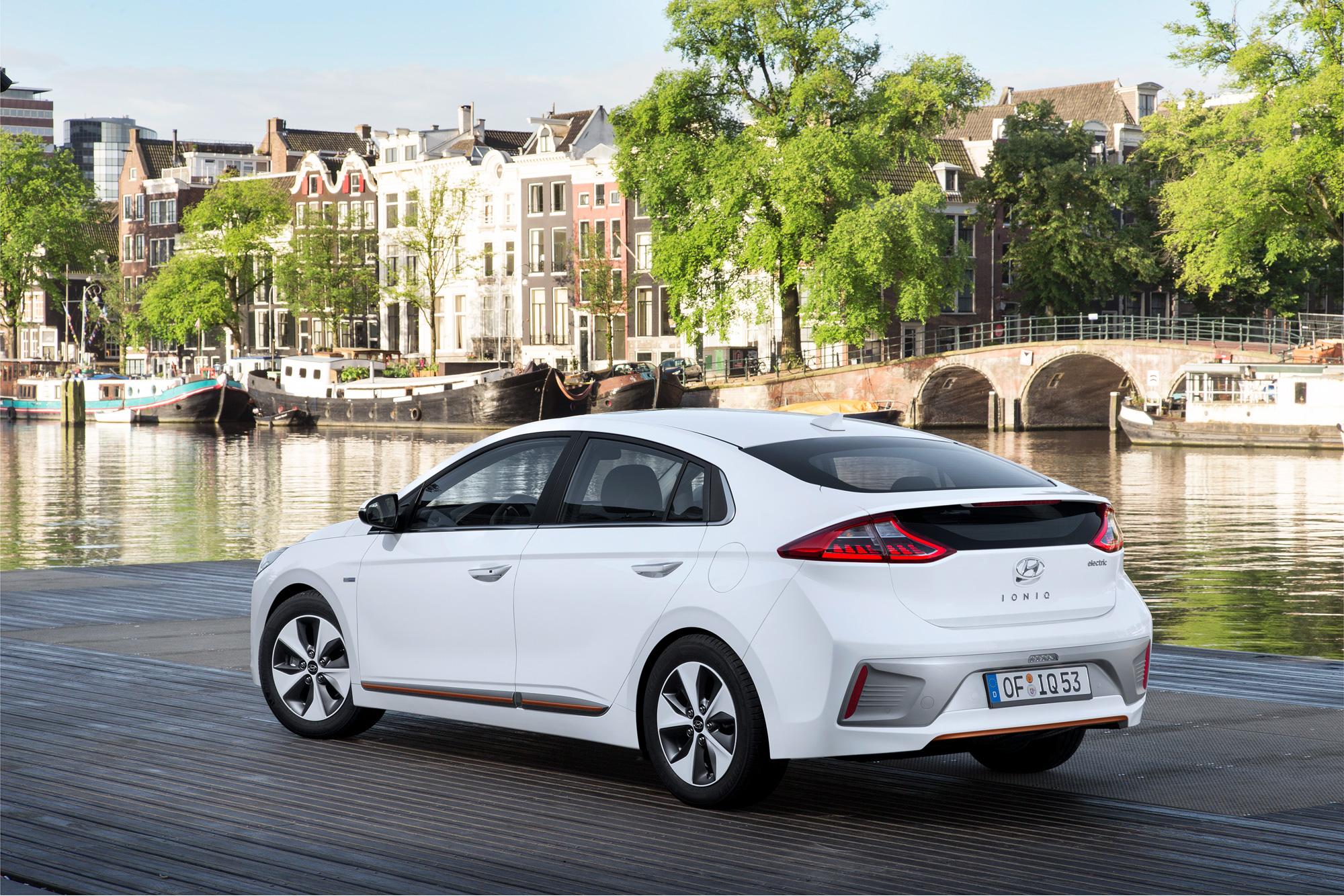 Hyundai-IONIQ-Electric-LinkeSeite