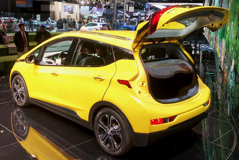 Opel-AmperaE-1000px