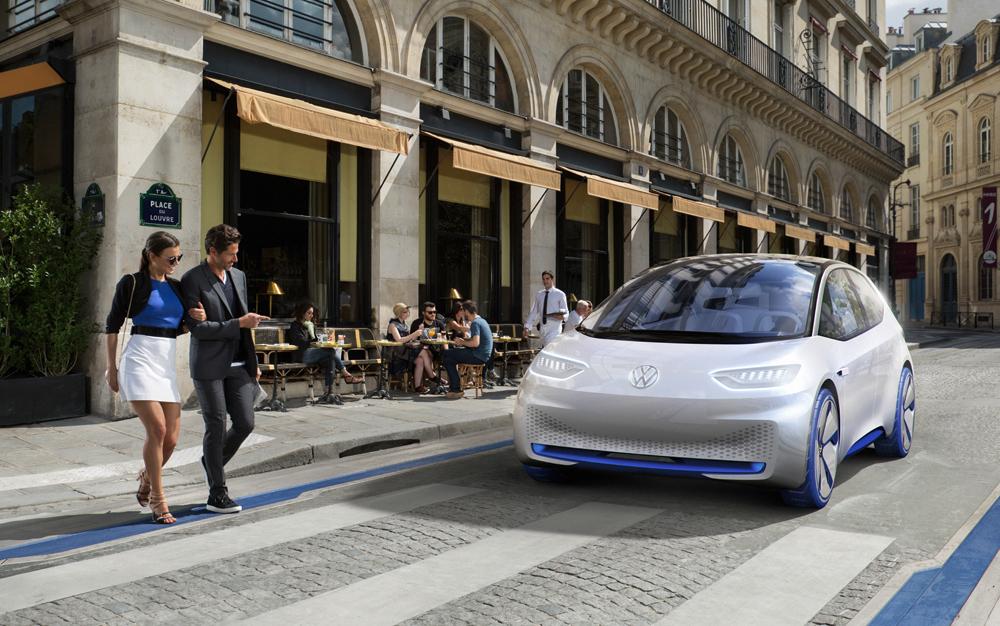 VW-ID-Paris-Passanten-1000px