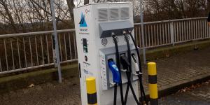 tank-und-rast-schnellladestation-multicharger-ccs-chademo-typ-2