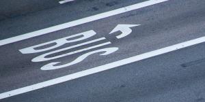 busspur-bus-symbolbild