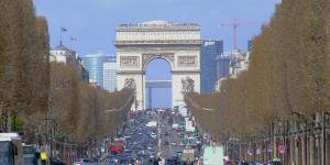 paris-triumphbogen-verkehr-pixabay