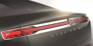 pininfarina-hybrid-kinetic-group-e-auto-teaser-genf
