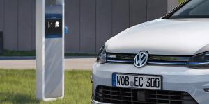 volkswagen-e-golf-elektroauto-ladestation