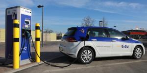 enbw-tank-und-rast-ladestation-elektroauto