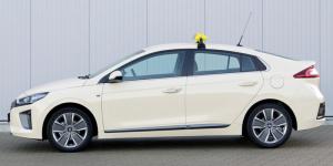 intax-hyundai-ioniq-taxi-symbolbild