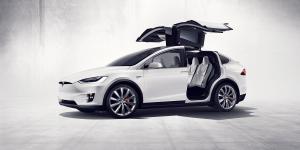 tesla-model-x-elektroauto-falcon-wings