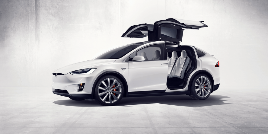 tesla-model-x-elektroauto-falcon-wings
