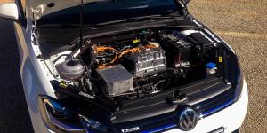 volkswagen-e-golf-2017-elektroauto-08-motor