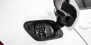 volkswagen-e-golf-2017-fv-elektroauto-ccs