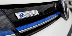 volkswagen-e-golf-schriftzug