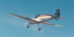 h55-aEro1-elektro-kunstflieger-demoflugzeug