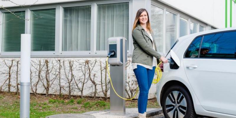 Stresstest fürs Netz: 100 Haushalte mit 49 E-Autos in Linz
