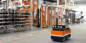 kuka-industries-roboter-symbolbild