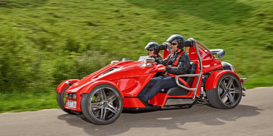 boom-e-cruiser-elektroauto-05