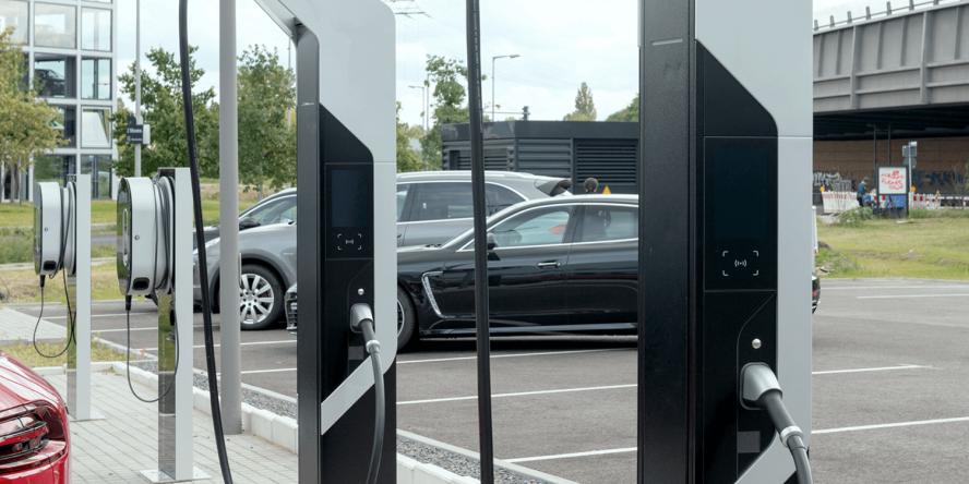 porsche-berlin-ladestation-high-power-charging-ccs-04