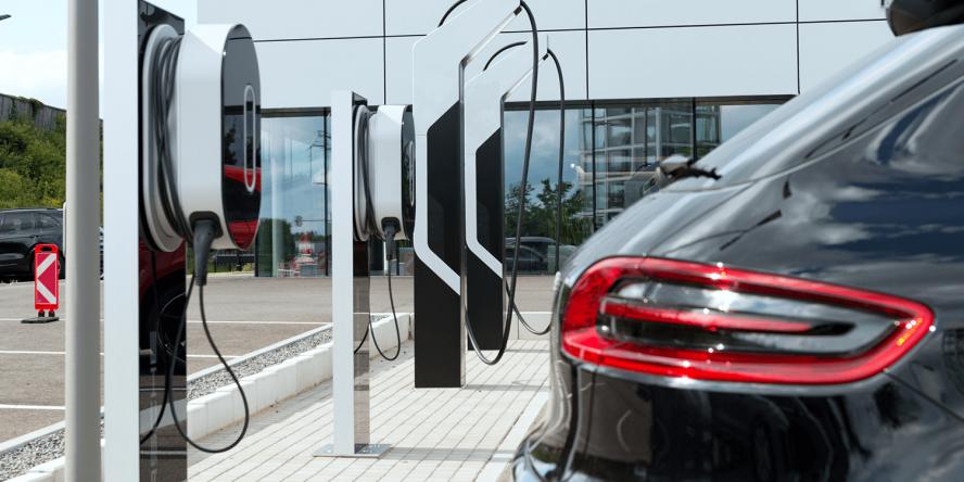 porsche-berlin-ladestation-high-power-charging-ccs-05