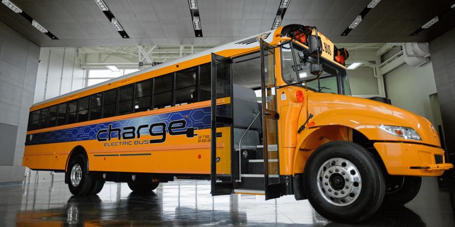ic-bus-volkswagen-ic-electric-bus-charge-elektrobus-usa