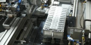 bmw-batteriezellen-prototyp-01