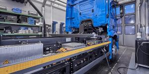 daimler-mercedes-benz-eactros-e-lkw-electric-truck-2018-03