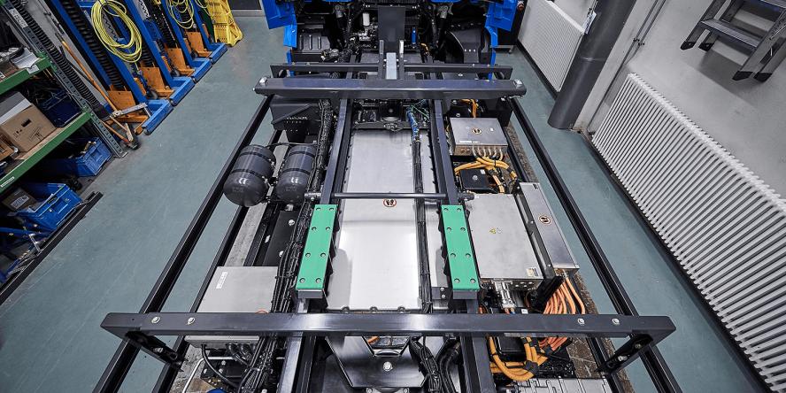 daimler-mercedes-benz-eactros-e-lkw-electric-truck-2018-04