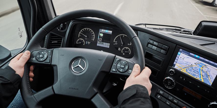 daimler-mercedes-benz-eactros-e-lkw-electric-truck-2018-06