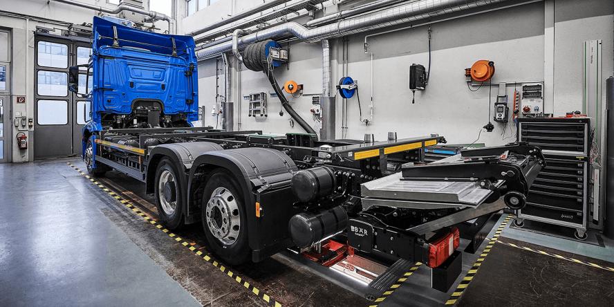 daimler-mercedes-benz-eactros-e-lkw-electric-truck-2018-24