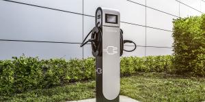 innogy-daimler-ladestation-charging-station