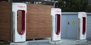 tesla-supercharger-ladestationen-charging-stations-01-pixabay