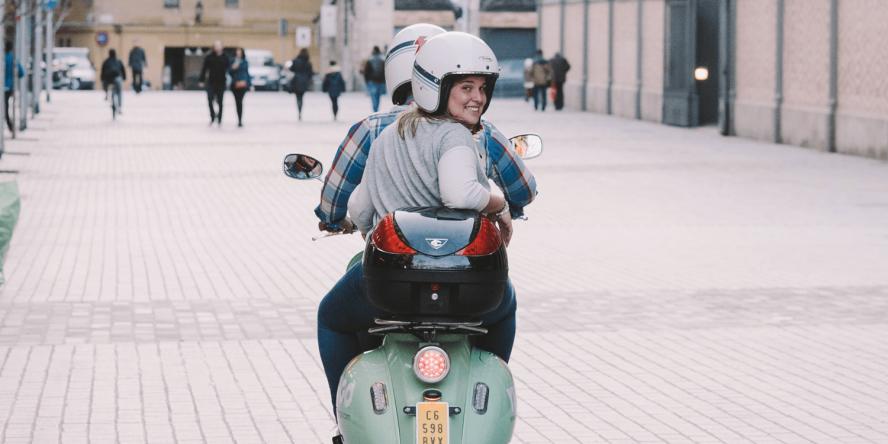 yugo-e-scooter-sharing-e-roller-06