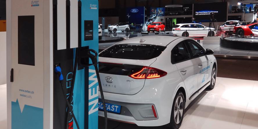 evtec-ccs-ladestation-charging-station-genf-2018-01