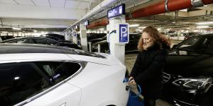 fraport-frankfurt-flughafen-ladestationen-charging-stations