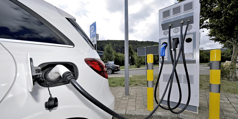 Elektroautos: Wie sauber ist der Fahrstrom? Eine Entwicklungsbilanz