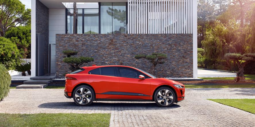 jaguar-i-pace-2018-elektroauto-electric-car-09