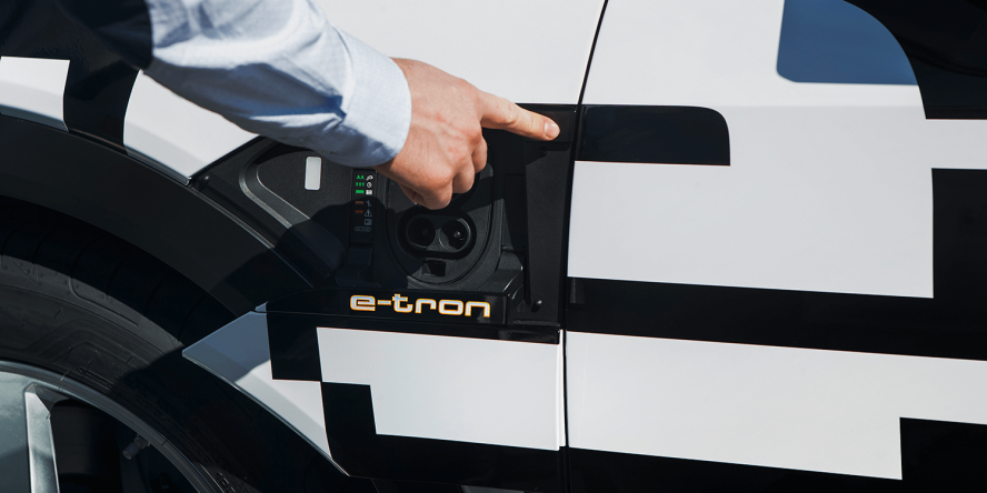 audi-e-tron-quattro-concept-car-2018-peter-schwierz-ccs-01