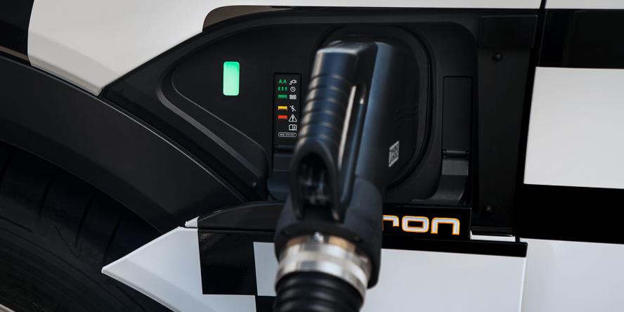 audi-e-tron-quattro-concept-car-2018-peter-schwierz-ccs-06
