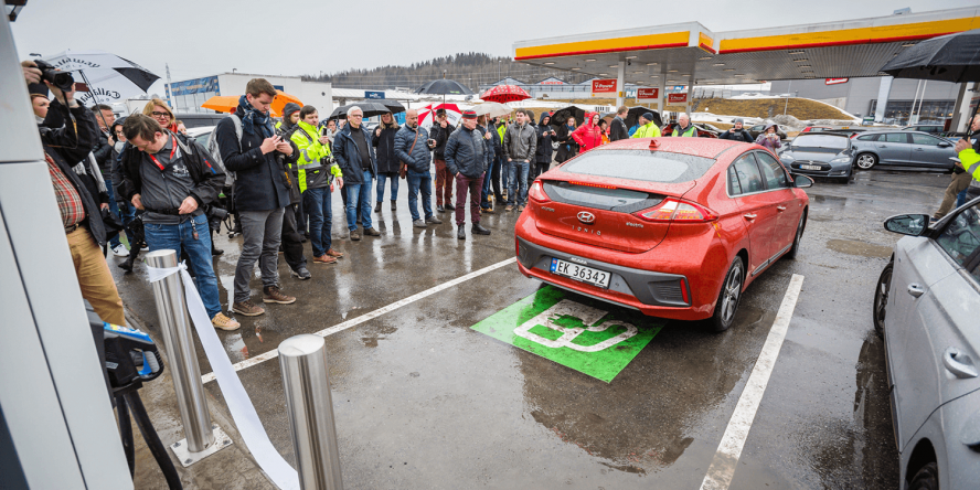 fortum-hpc-ladestation-charging-station-norwegen-norway-eroeffnung-april-2018-03