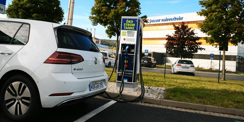 Jena und Gera stellen Ladesäulen auf kWh-Abrechnung um