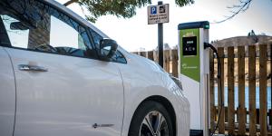 nissan-leaf-2018-charging-station-ladestation-sccotishpower-uk-01
