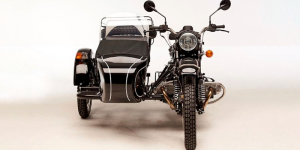 revolt-electric-motorbikes-r71