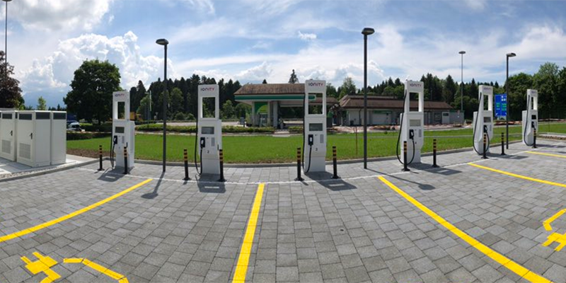 ionity-hpc-ladestation-charging-station-schweiz-switzerland