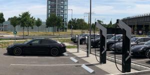 porsche-charging-station-ladestation-berlin-adlershof