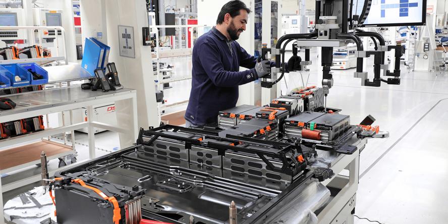 volkswagen-e-golf-batteriemontage-battery-braunschweig