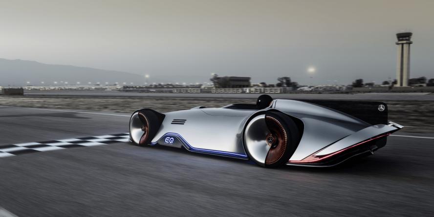 mercedes-benz-vision-eq-silver-arrow-concept-car-2018-04