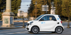 daimler-car2go-carsharing-paris-smart-eq-fortwo-min