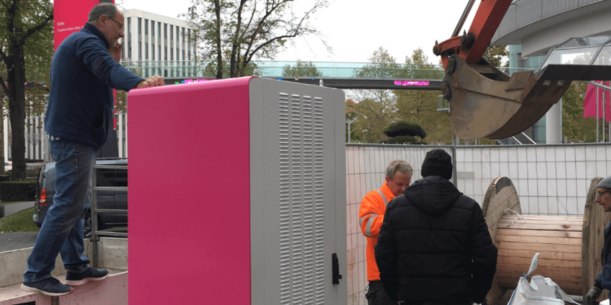 deutsche-telekom-ladestation-charging-station-02