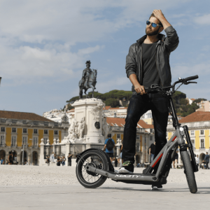 bmw-x2city-e-tretroller-electric-kick-scooter-1-min